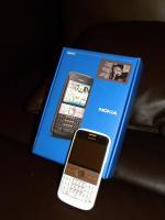 neuwertiges Smartphone NOKIA E5-00 + Schutzfolien