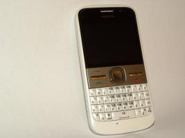 Foto 5 neuwertiges Smartphone NOKIA E5-00 + Schutzfolien