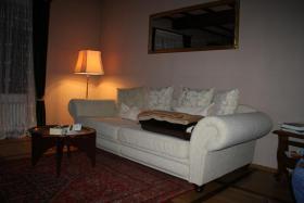 neuwertiges Sofa und Sessel