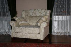 Foto 2 neuwertiges Sofa und Sessel