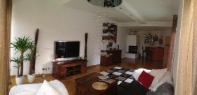 Foto 4 •Doppel Haus, ca.300 qm Wohnfläche, Garten ca 250 qm, grosser Keller ca100 qm, Garage »