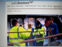 Foto 4 piraten überfall 26 - 27 nov. 2010 Frachter BREMEN  auf offener see , sicherheitsexperten trainieren Crews - ZDF Abenteuer Wissen