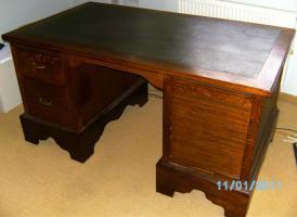restaurierter Schreibtisch