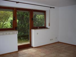 Foto 2 romantisch gelegene 2 Zimmer Wohnung mit Vorgarten