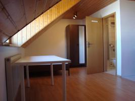 ruhige DG-Komfortwhg. in priv. Landhaus