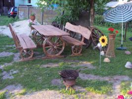 Foto 2 rustikale  Gartenmöbelgarnitur