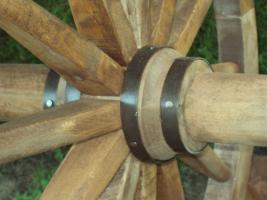 Foto 3 rustikale  Gartenmöbelgarnitur