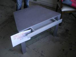 schhöner TV-Tisch mit Schublade, auszieb.Glasplatten u. intreg.Steckerleiste