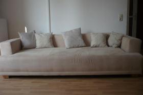 schicke helle gut erhaltene Couch