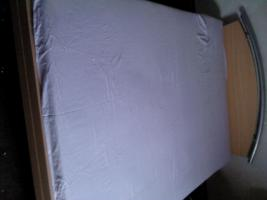 schlafzimmerbett mit matratze
