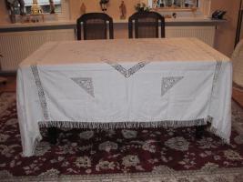 schöne alte Tischdecke