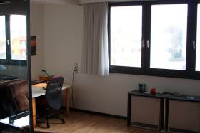schöne helle Wohnung in Top-Lage zu vermieten