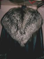 Foto 2 schwarze nappalederjacke mit pelzbesatz für Damen