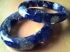 sehrschöne Armbänder und großer Ring, Neu.