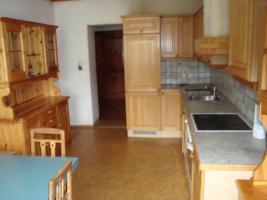 Foto 2 teilweise renovierungsbedürftige Familien-Mietwohnung zum günstigen Mietpreis mit Gartenteil !
