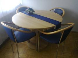 Foto 2 tisch mit stühle