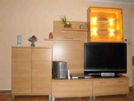 Foto 3 tolle Schrankwand mit Beleuchtung