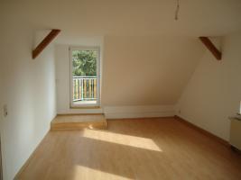 Foto 3 traumhafte 2-Raum Dachgeschosswohnung mit Blick ins Grüne