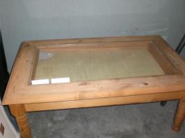Foto 3 verkaufe vitrienen 2 stück , 1 bücherregal, wohnzimmertisch