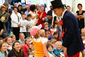 Foto 3 weinachtsmann, kinderfeier-geburtstag-party-show.mit clown-zauberer-animation u.m.