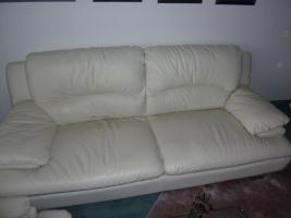 Foto 4 weiße Echtleder-Sofas, 2 Stück, 3-Sitzer