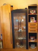 Foto 2 wohnzimmerschrank mit Vitriene+Licht