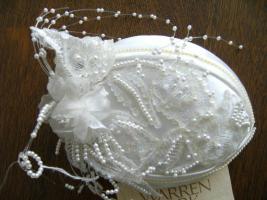 wunderschöner weißer Kopfschmuck Hochzeit