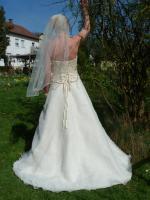 Foto 2 wunderschönes Brautkleid Gr. 38 von Ladybird