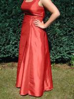 wundersch�nes Brautkleid rot bodenlang mit Tr�gern A-Linie wie neu!!!