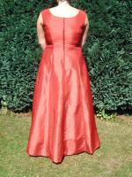 Foto 2 wundersch�nes Brautkleid rot bodenlang mit Tr�gern A-Linie wie neu!!!
