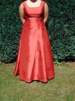 Foto 3 wundersch�nes Brautkleid rot bodenlang mit Tr�gern A-Linie wie neu!!!