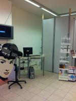 Foto 2 wunderschönes Friseurgeschäft  in Werne Kreis Unna ca. 60 m2 groß. Sehr schön eingerichtet. Mit Kunden und Mitarbeiter für 20.000 € anzubieten