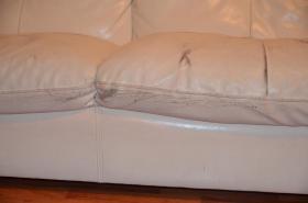 Foto 4 zu Verschenken Sofa Couch weiß Kunstleder gebraucht