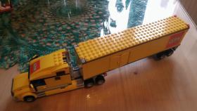 Foto 7 1 Modell Sattelschlepper POST mit Zubehör, lego kompartibel