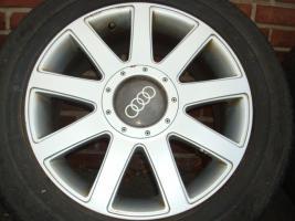 18 ''RS4 Räder Audi A3 A4 RS6 RS4 Golf 5 Passat Jetta (427)  Ein Satz verwendet 18 ''RS4 Reifen, unter anderem für verschiedene Modelle von Volkswagen, Audi und Seat. Die Felgen und Reifen zu gewährleisten, dass es noch exklusiver Blick! Ihr Auto Alle vie