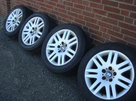 Foto 2 18 Zoll BMW Felgen & Reifen 93 (Stich 5 X 120)  Farbe: Silber Durchmesser: 18 Zoll Rastermaß: 5 x 120 Offset: 24 Reifenmarke: Michelin Reifengröße: 245 / 50R18 Preis: € 499, -  Handel ist möglich!  202