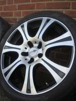 18 Zoll Brock Reifen & Felgen (Einsatz 5 X 120)  Farbe: Silber Durchmesser: 18 Zoll Rastermaß: 5 x 120 Offset: 13 Reifenmarke: Pirelli Reifengröße: 245 / 40R18 Preis: € 549.-  Exchange ist, wenn angemessene möglich!  245