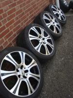 Foto 2 18 Zoll Brock Reifen & Felgen (Einsatz 5 X 120)  Farbe: Silber Durchmesser: 18 Zoll Rastermaß: 5 x 120 Offset: 13 Reifenmarke: Pirelli Reifengröße: 245 / 40R18 Preis: € 549.-  Exchange ist, wenn angemessene möglich!  245