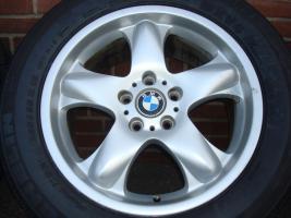 18''inch BMW X6 Styling 58 Transporter T5 Insert 5x120 (227)  Ich habe eine Reihe X6 Volkswagen - TransporterT5 Felgen mit guten 5 + 6 mm Reifen 255/55/18 Zoll (Stich 5X120) Größe Räder für BMW X5 X6 T5 bis 2007 Marke: BMW Modell: X5 bis 2007 Insert: 5x12