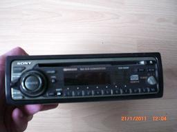 2 Autorradios, CD-Gerät und RC-Gerät