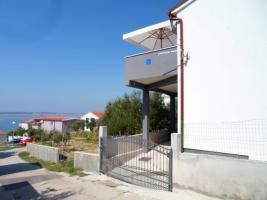 2 Ferienwohnungen bis zu 4 Personen in Rtina Miocici bei Zadar 150 m vom Strand Dalmatien
