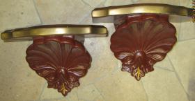 2 Wandkonsolen (Keramik)