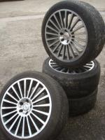 Foto 3 20 ''1000 MIGLIA MERCEDES ML Klasse R Felgen & Reifen 5x112  Schöne Mercedes Benz Felgen mit Reifen. Komm unter meine M-Klasse aus. ML 270 W163  Größe: 20 Zoll Nabenbohrung: 66,6 Rastermaß: 5 x 112 ET: 45  Reifengröße: 275/55/20 2 Reifen mit 4mm Profil 2