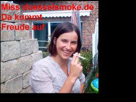 2013 Nichtraucher mit Elektrozigarette