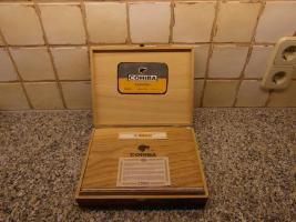 Foto 3 25er Holzkiste Cohibas Espléndidos Zigarren aus Havanna/Cuba mit Siegel