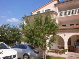 3 Ferienwohnungen in Umag in Istrien, Gruppenhaus 1 km vom Sandstrand, Kroatien