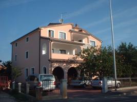Foto 3 3 Ferienwohnungen in Umag in Istrien, Gruppenhaus 1 km vom Sandstrand, Kroatien