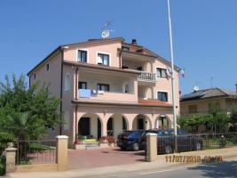 Foto 5 3 Ferienwohnungen in Umag in Istrien, Gruppenhaus 1 km vom Sandstrand, Kroatien
