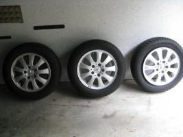 3 PKW-Felgen für A170-Klasse Mercedes mit 2 M+S Dunlop-Reifen 185/65 R 15 88T