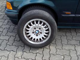 3er BMW >4 x Alufelgen mit Reifen